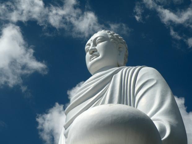 sitting buddha nha trang