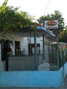 Los Tres Cerditos Cafeteria